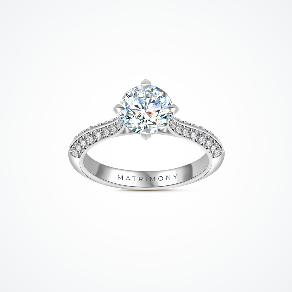 Anillo de compromiso con diamante central y doble fila de diamantes laterales